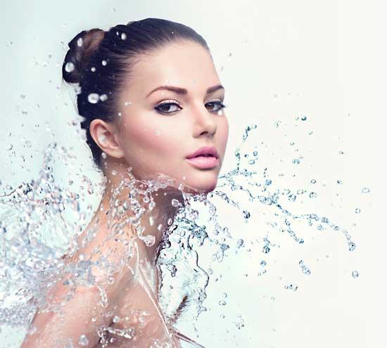 Lifting-Behandlung mit Aqua Dermabrasion